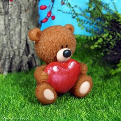 Bear with a heart