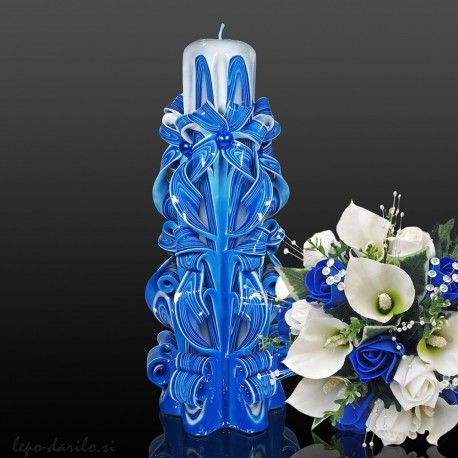 Carved candle 009